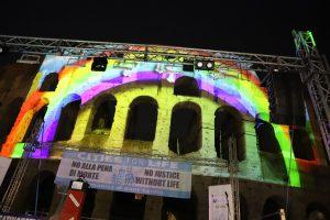 Colosseo illuminato per dire no alla pena di morte