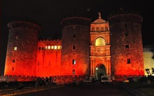 Napoli, Maschio Angioino rosso