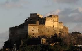 bacoli castello di baia